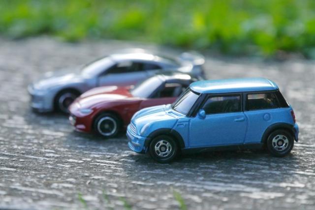3つのミニカー
